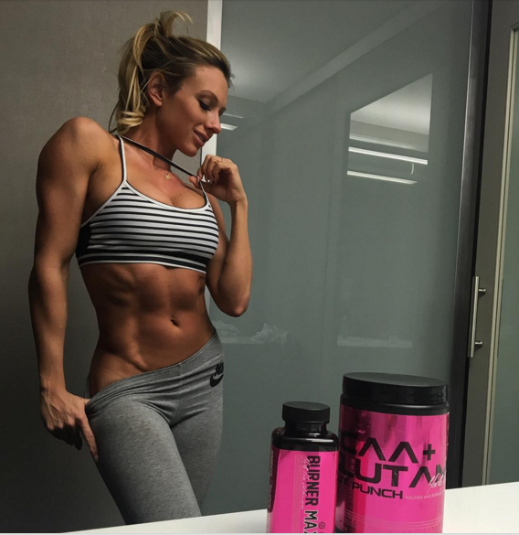 7 Sexiest Fitness Models Who Are Taking Instagram By Storm - Google Chrome 2016-03-24 22.29.23