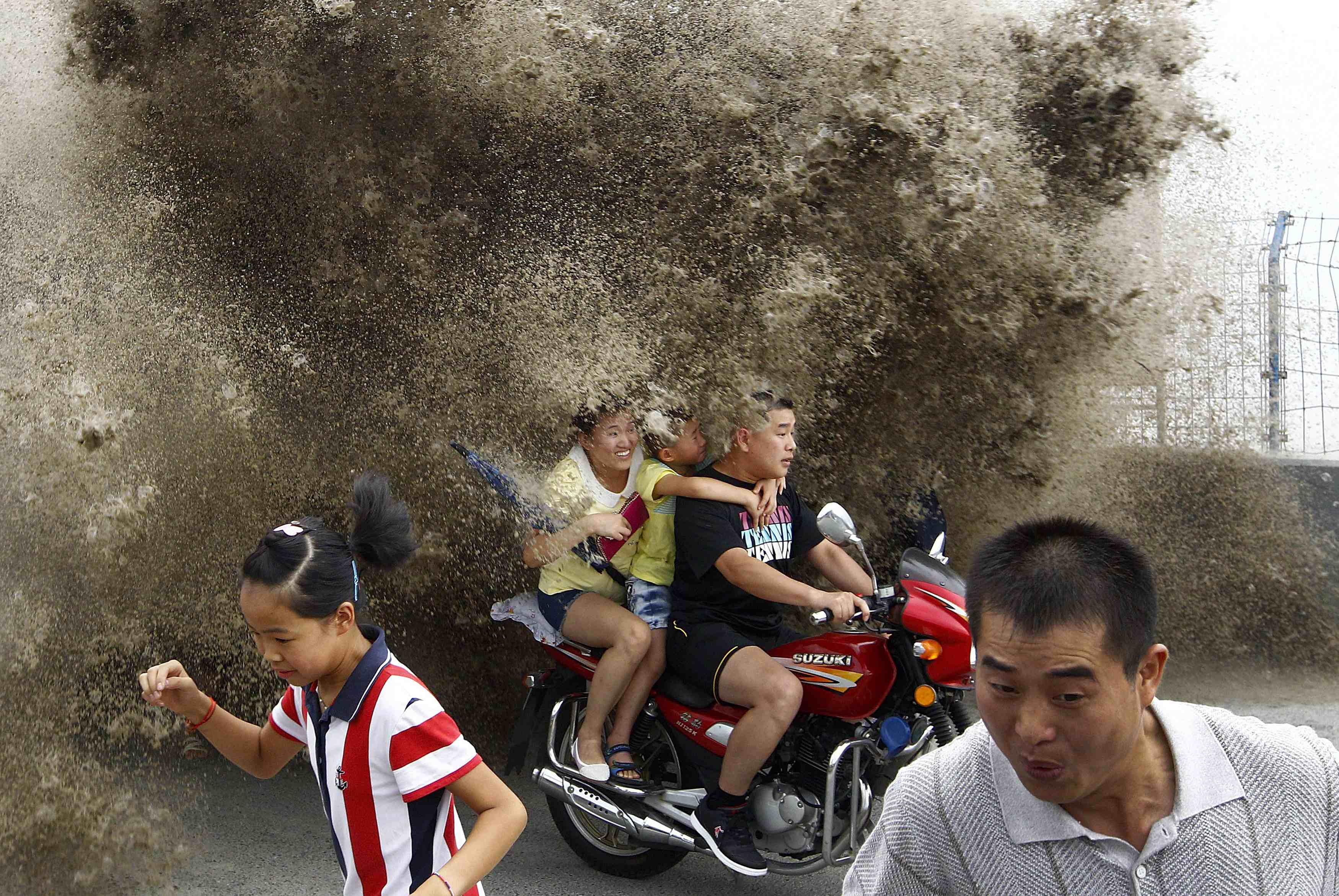 RNPS - REUTERS NEWS PICTURE SERVICE - PICTURES OF THE YEAR 2014