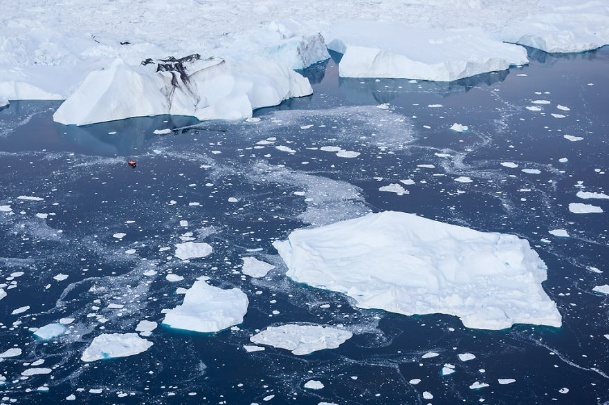 the-icebergs-of-disko-bay-that-i-captured-from-a-russian-yacht-near-greenland-16__880